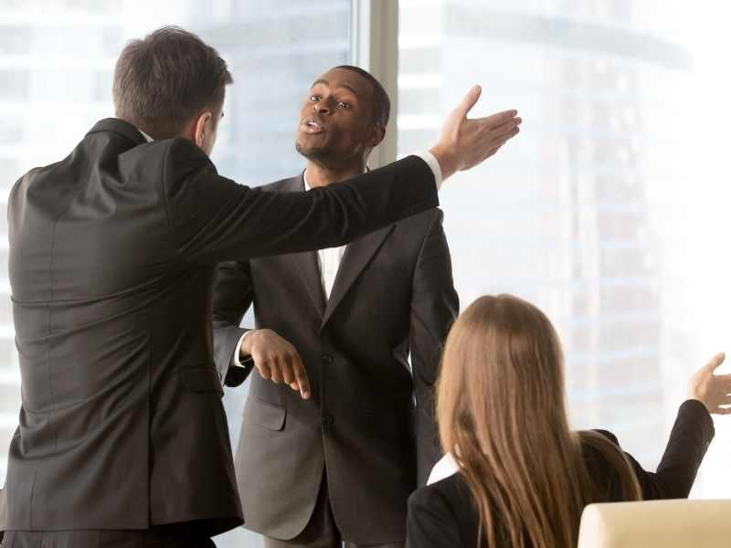Racismo no trabalho: nos EUA custa U$ 1 milhão; no Brasil, U$ 4 mil
