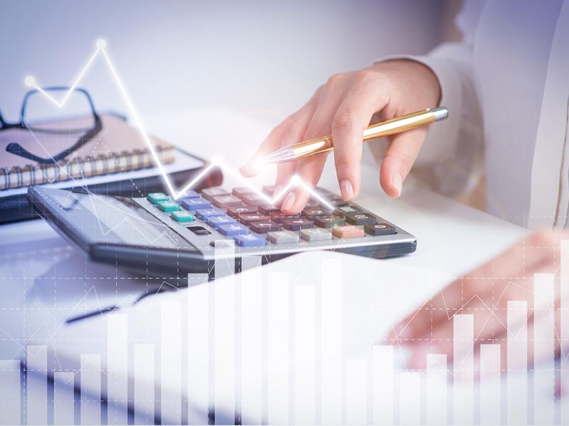Bancária do Bradesco tem direito a benefícios do PDV implantado no curso do aviso prévio indenizado