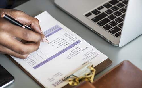Empresas no Lucro Real ou Presumido podem deduzir o ICMS destacado nas Notas Fiscais para o cálculo do PIS/COFINS, segundo decisão do STF