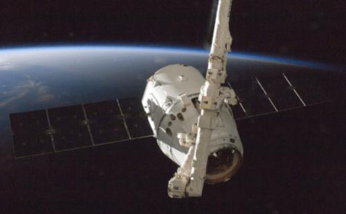 SpaceX vai adquirir startup de serviço de internet via satélite